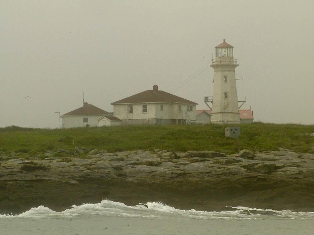 Machias-Seal-Island-lighthouse